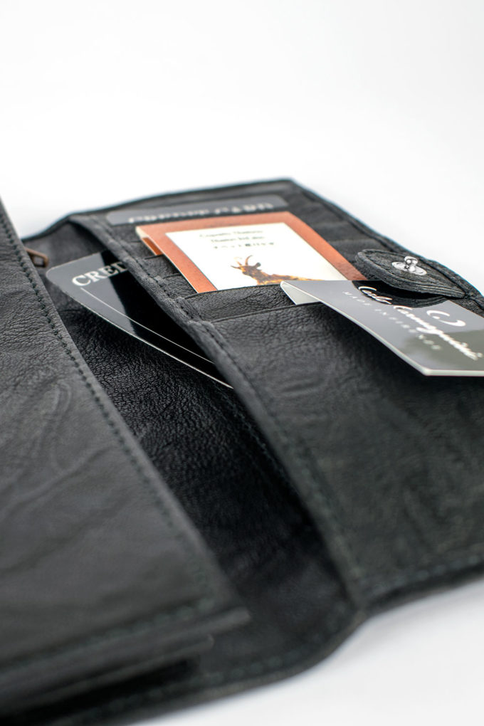 carlo carmagnini, portafoglio in pelle, minimal wallet, leather wallet, slim leather wallet, minimal leather wallet, sleek wallet, sleek leather wallet, made in italy