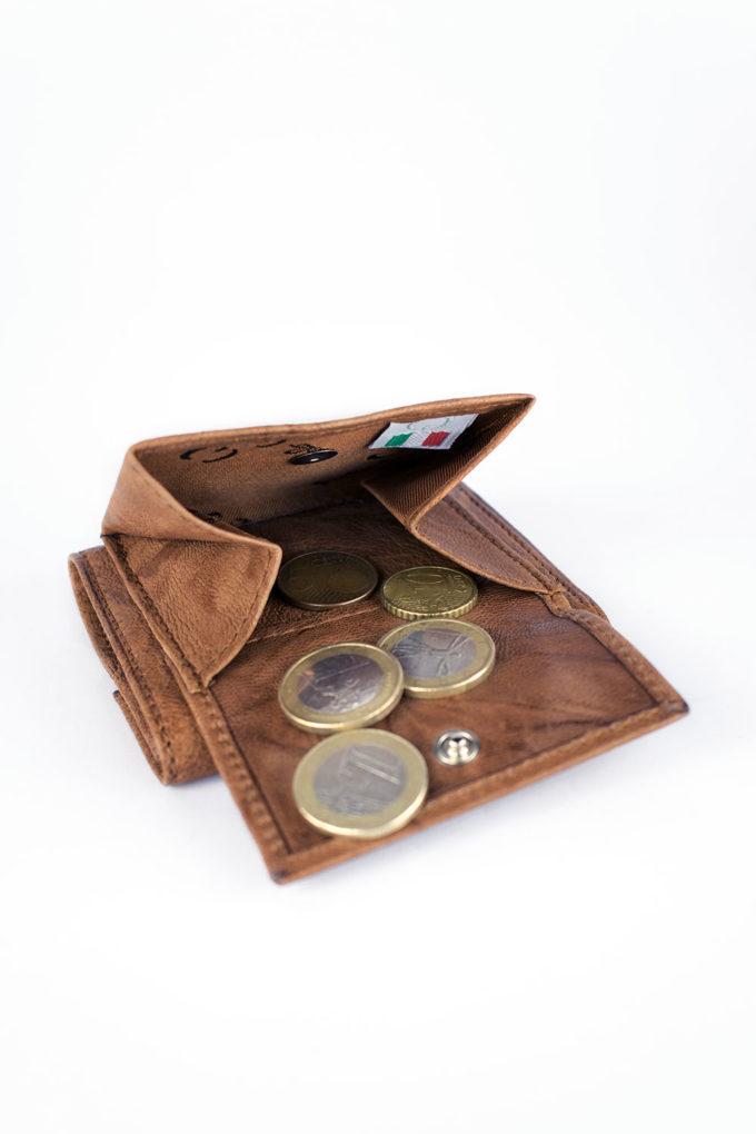 carlo carmagnini, portafoglio in pelle, compact wallet, minimal wallet, leather wallet, unisex leather wallet, made in italy, firenze, made in firenze, italian leather wallet, minimal leather wallet, compact leather wallet